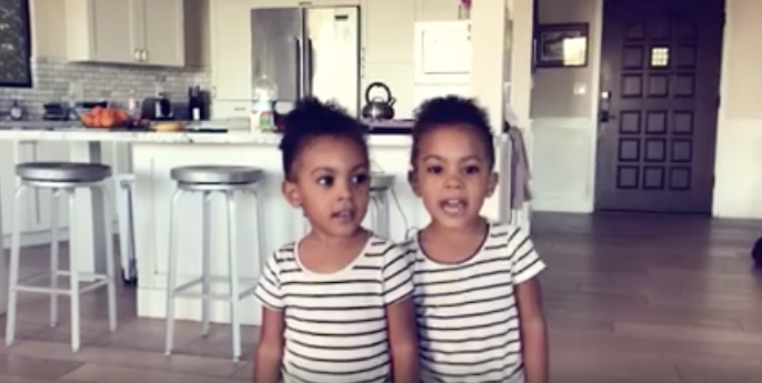 Identical Twins Give The Cutest Vacation Home Tour