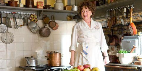 Cook, Kitchen, Food, Homemaker, Cooking, Room, Cooking show, Chef,