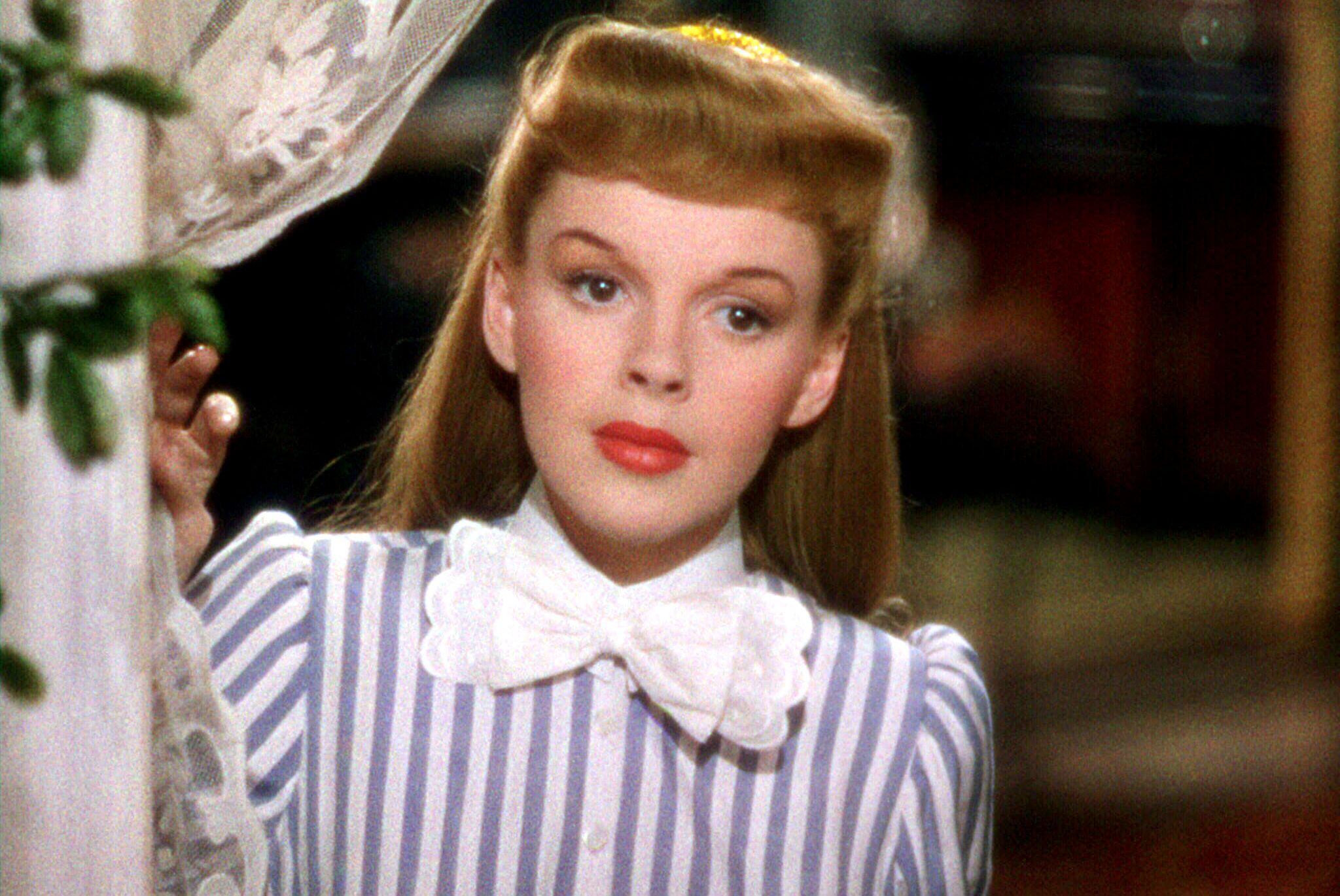 Watch Now The nostalgic musical Meet Me in St. Louis might contain Judy Garland's best screen performance. She stars as Esther Smith, one of four sisters reluctant to uproot their Midwestern lives and move to New York.
