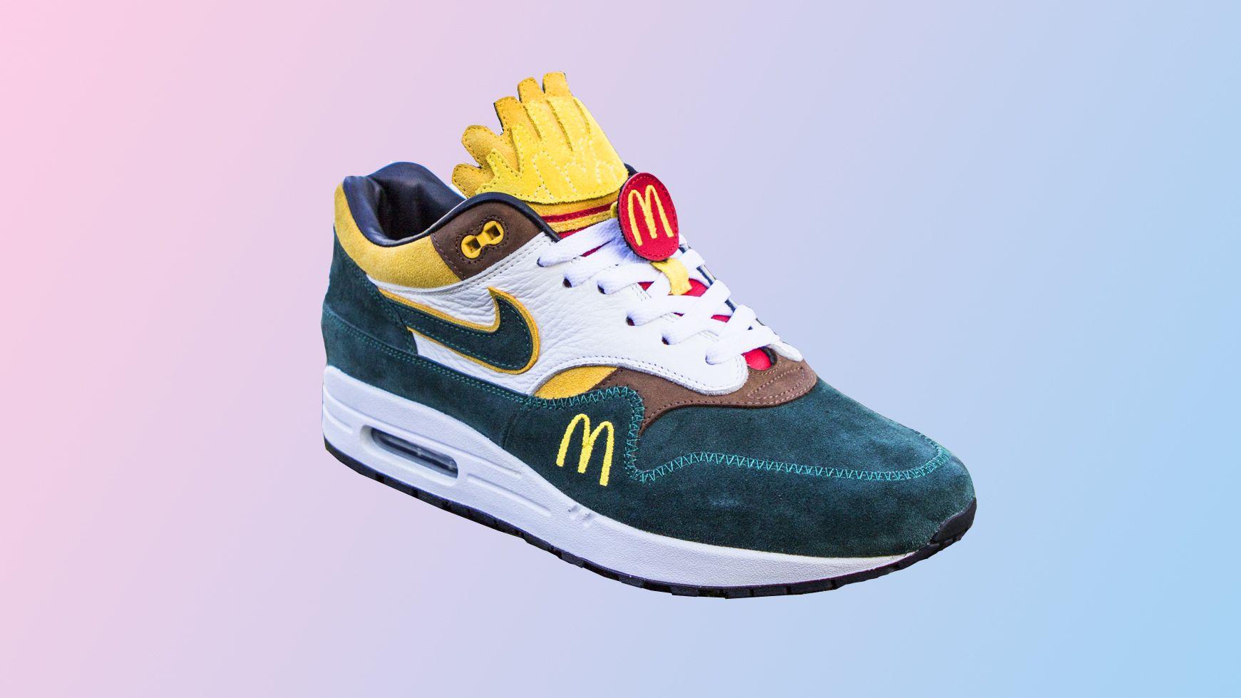 Win custom McDonald's sneakers in de Hidden Cadeau Kalender