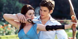 THE PRINCESS DIARIES 2: ROYAL ENGAGEMENT, from left: Anne Hathaway, Chris Pine, 2004, © Buena Vista/