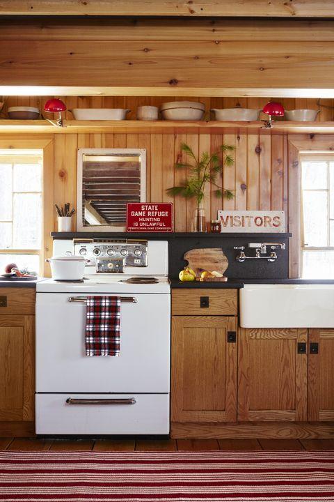 McGuire Christmas Kitchen