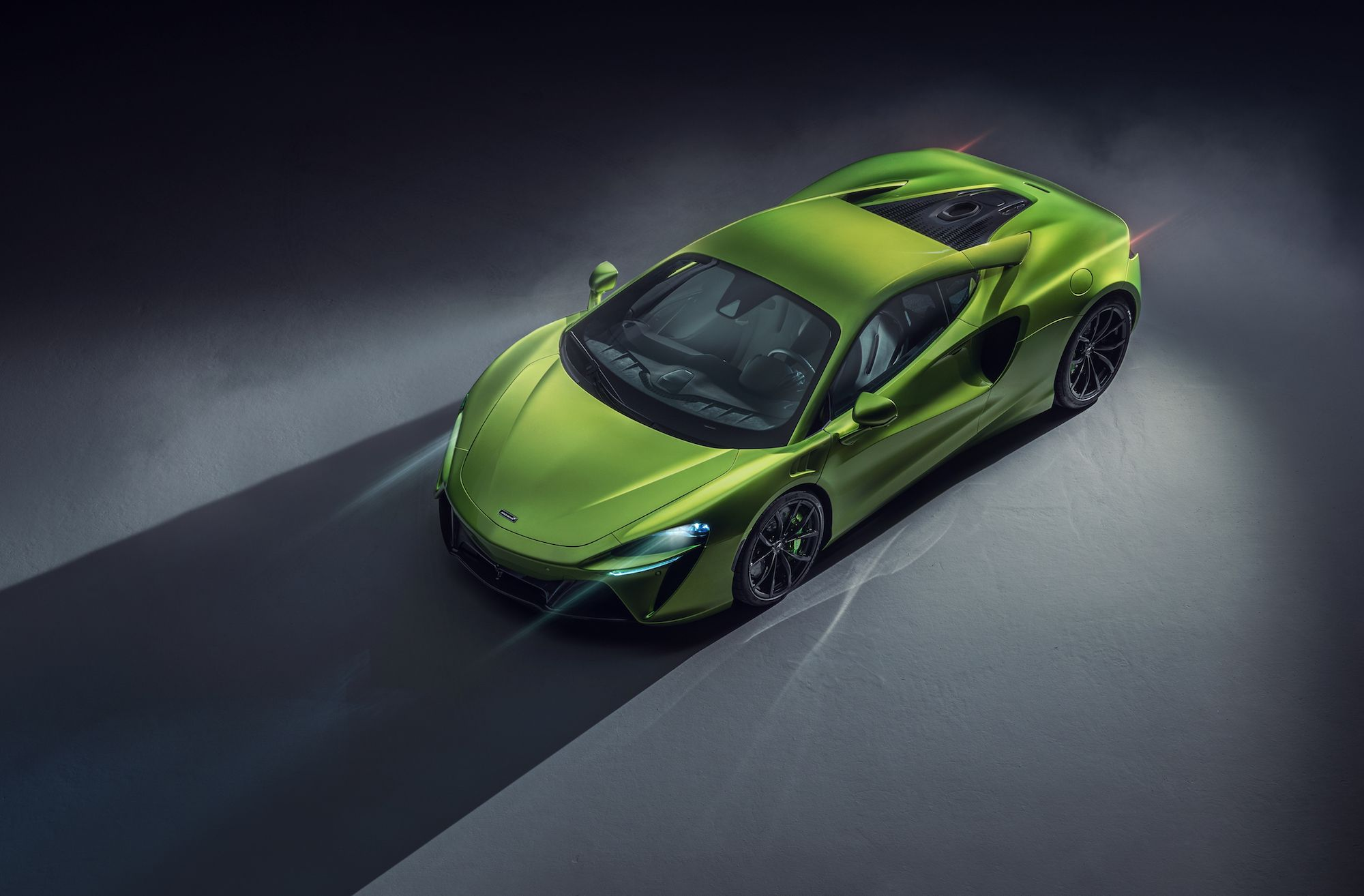 The 2022 McLaren Artura Is the Lightweight Hybrid Supercar of the Future