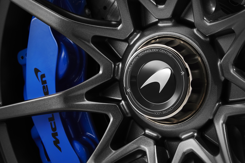 mclaren-senna-wheel-centre-lock-15128439