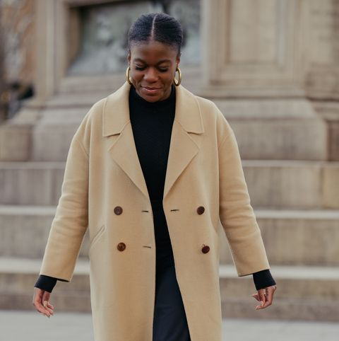 Clothing, Coat, Overcoat, Street fashion, Trench coat, Outerwear, Fashion, Beige, Sleeve, Suit,