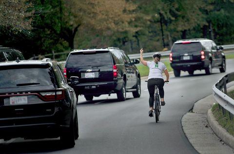 Land vehicle, Vehicle, Motor vehicle, Cycling, Road cycling, Lane, Mode of transport, Transport, Road, Bicycle,