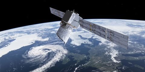 Atmosphere, Outer space, Space station, Astronomical object, Space, Spacecraft, Satellite, Telecommunications engineering, World, Universe,