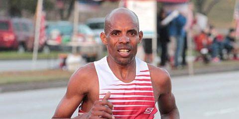 Meb Keflezhigi running Houston Marathon