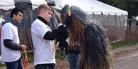 Chewbacca Gets Finishers Medal at 2013 Twin Cities Marathon