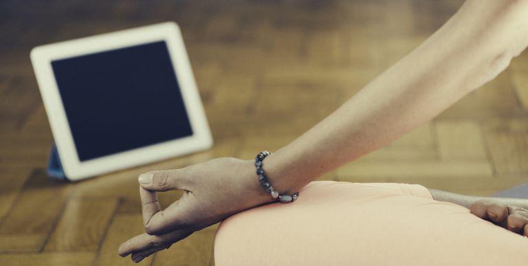 womenshealthmag.com - Caroline Shannon-Karasik - Meditation Might Get A Whole Lot Easier With These Apps
