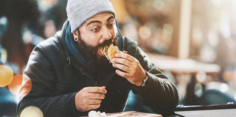 Meer eten tijdens een bulk? Dit effect heeft het op je spieren