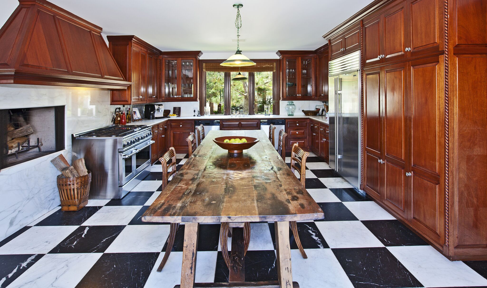 White painted kitchen cabinets before and after Cabinets Ideas White Kitchen Cabinets Hgtvcom 14 Best White Kitchen Cabinets Design Ideas For White Cabinets