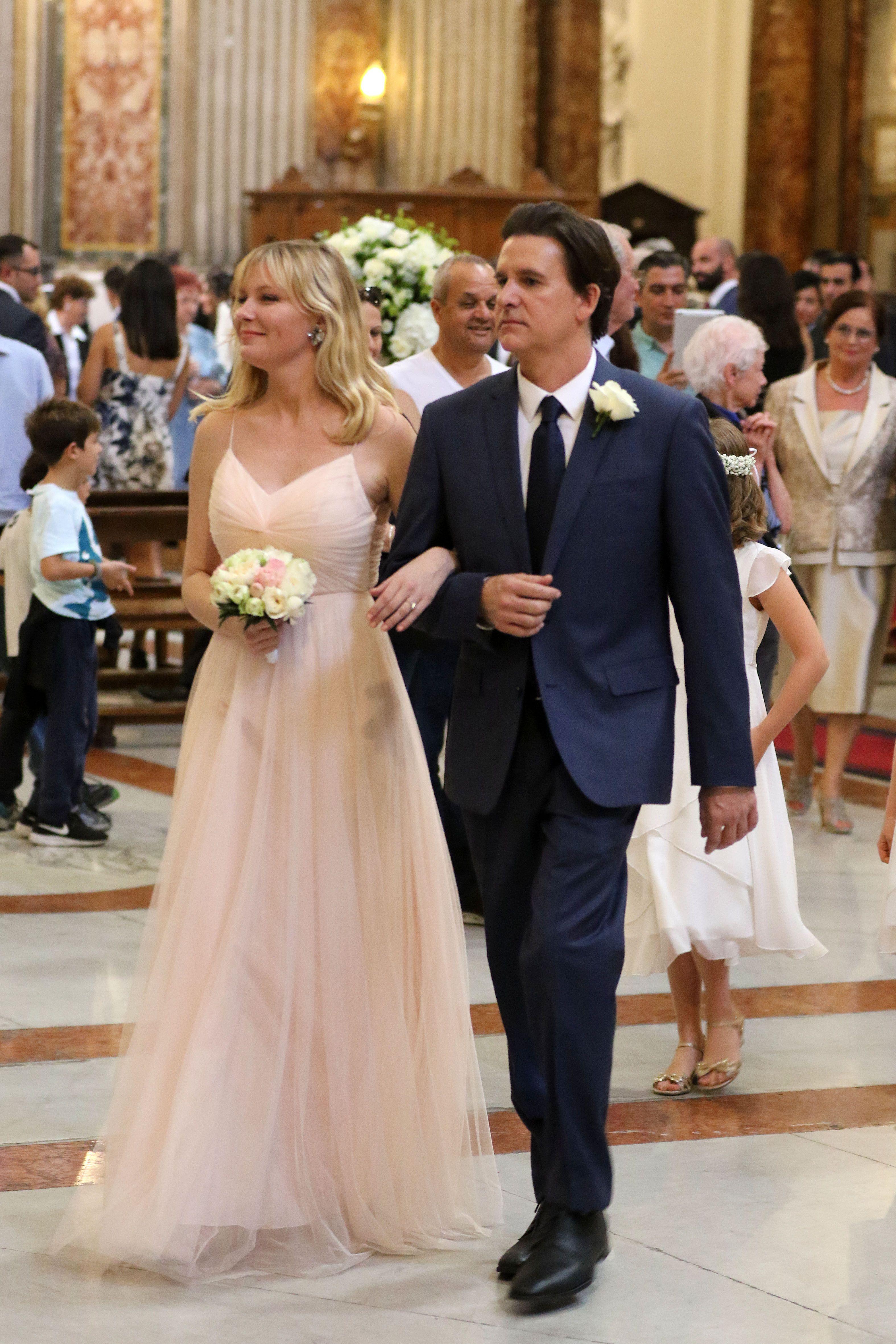 Kirsten Dunst as a bridesmaid