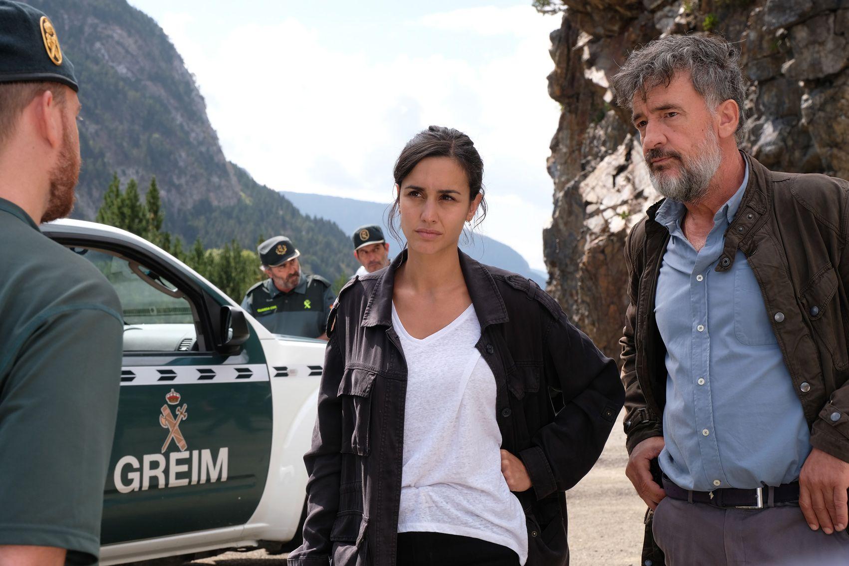 Megan Montaner y Francis Lorenzo en 'La caza. Monteperdido'