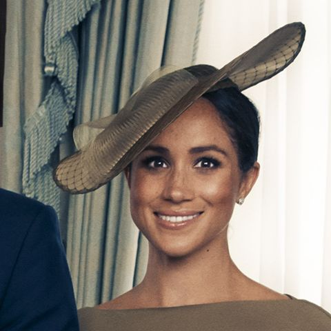 A Professional Face Reader Decoded the Royal Family Photo and Its Fascinating