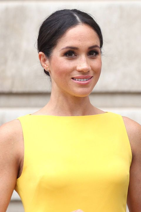 Hair, Yellow, Clothing, Hairstyle, Shoulder, Beauty, Chin, Neck, Dress, Undergarment,
