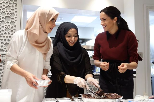 meghan markle the duchess of sussex visits the hubb community kitchen