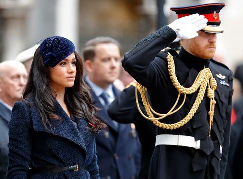ヘンリー王子 メーガン妃 移行期間 ロイヤルファミリー エリザベス女王
