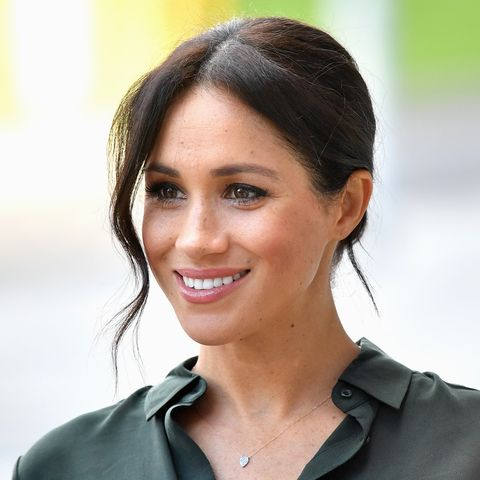 a royal fan praised meghan markle s mom and the duchess s reaction was so sweet a royal fan praised meghan markle s mom