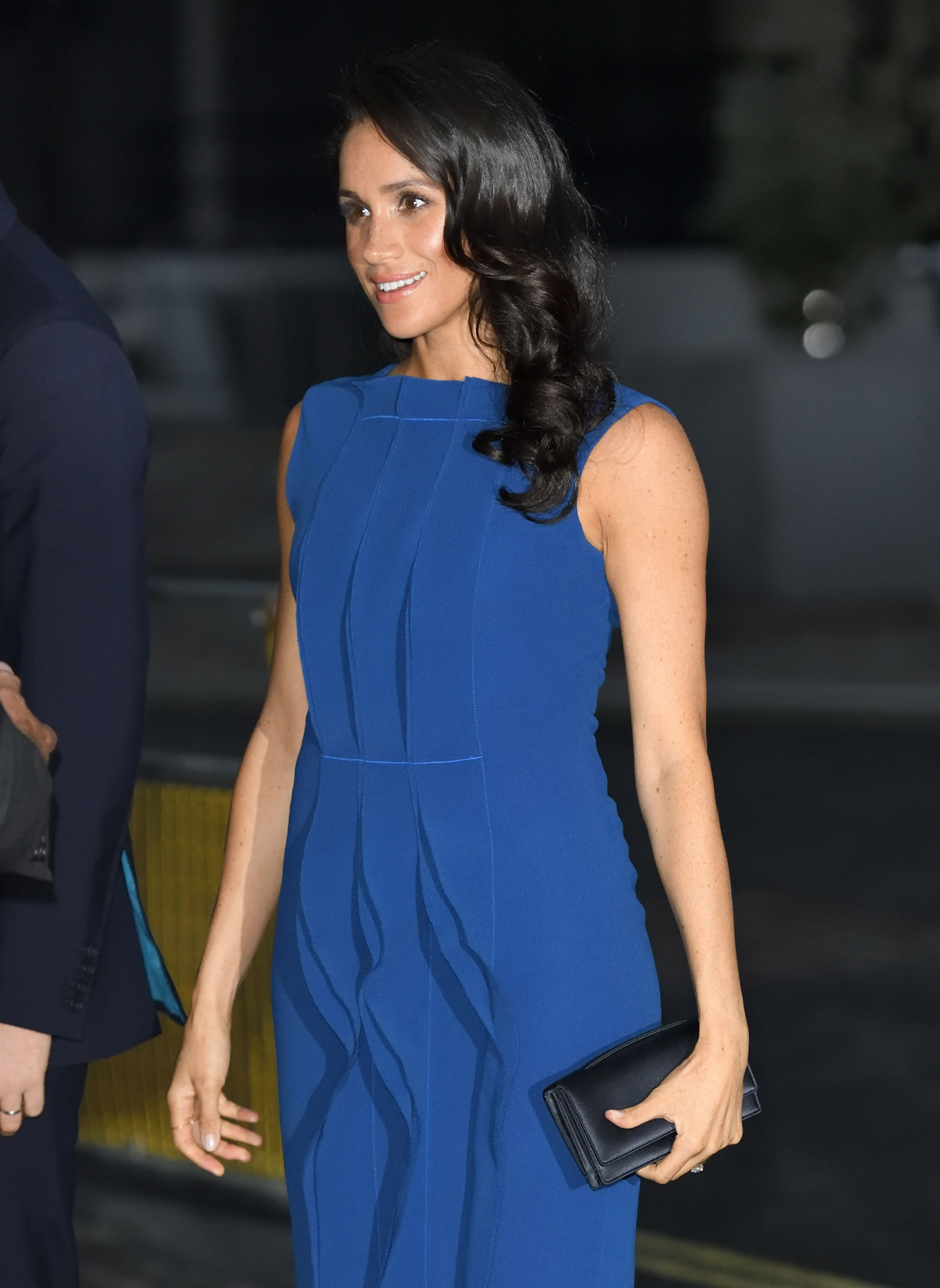 Meghan Markle S Debuts Jason Wu Spring Collection With Blue Dress Ahead Of His Show