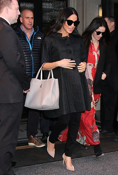 629b32e980e43 Meghan Markle wearing Hatch maternity denim during her pre-baby trip to New  York City.