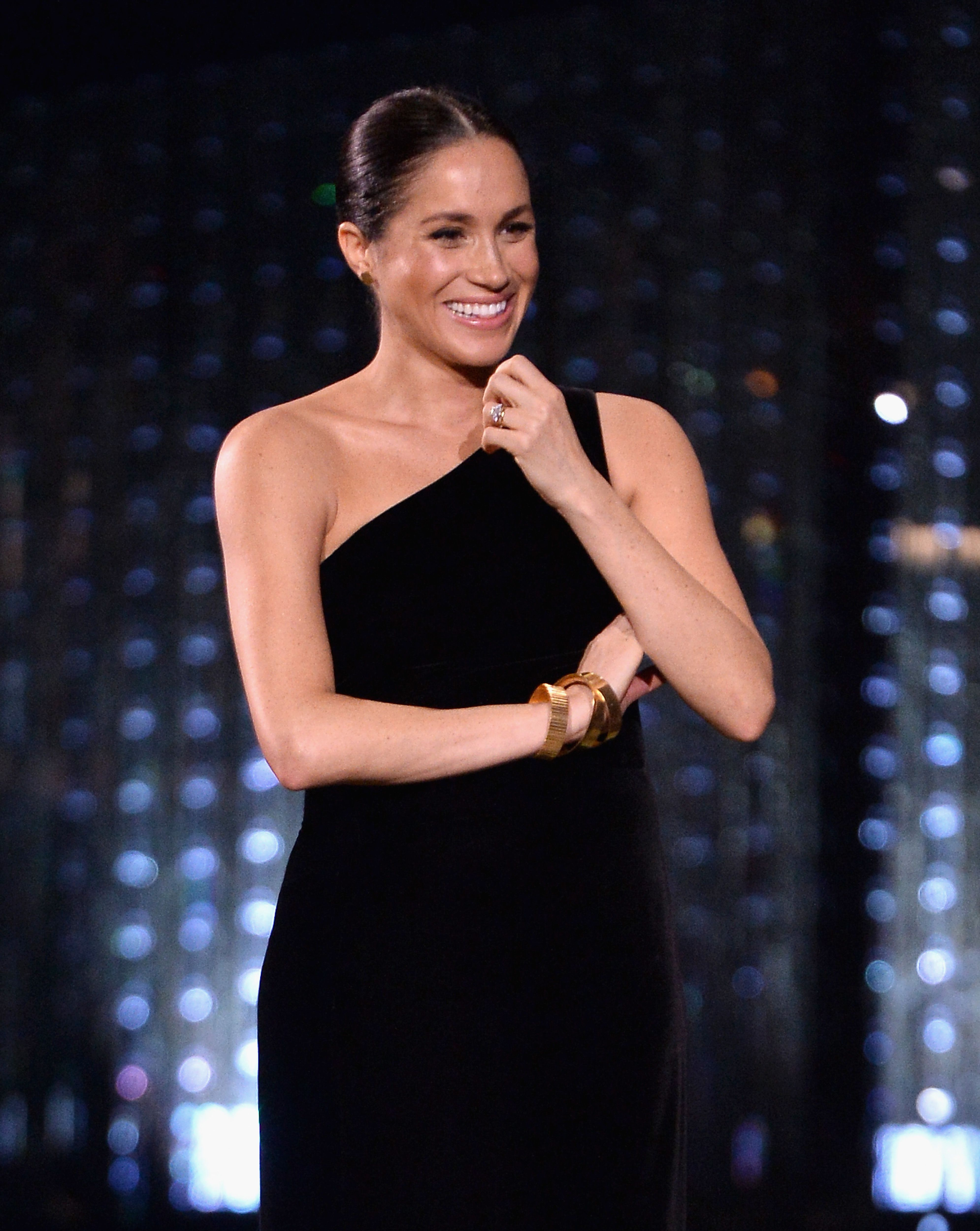 b25a96dfbd28 Meghan Markle Posed for a Gif Photo Booth Just Like Any Other Celeb