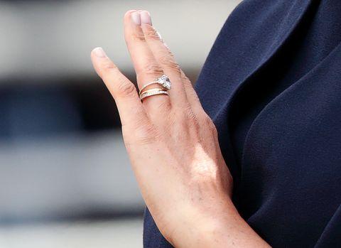 princess beatrice wedding ring photo