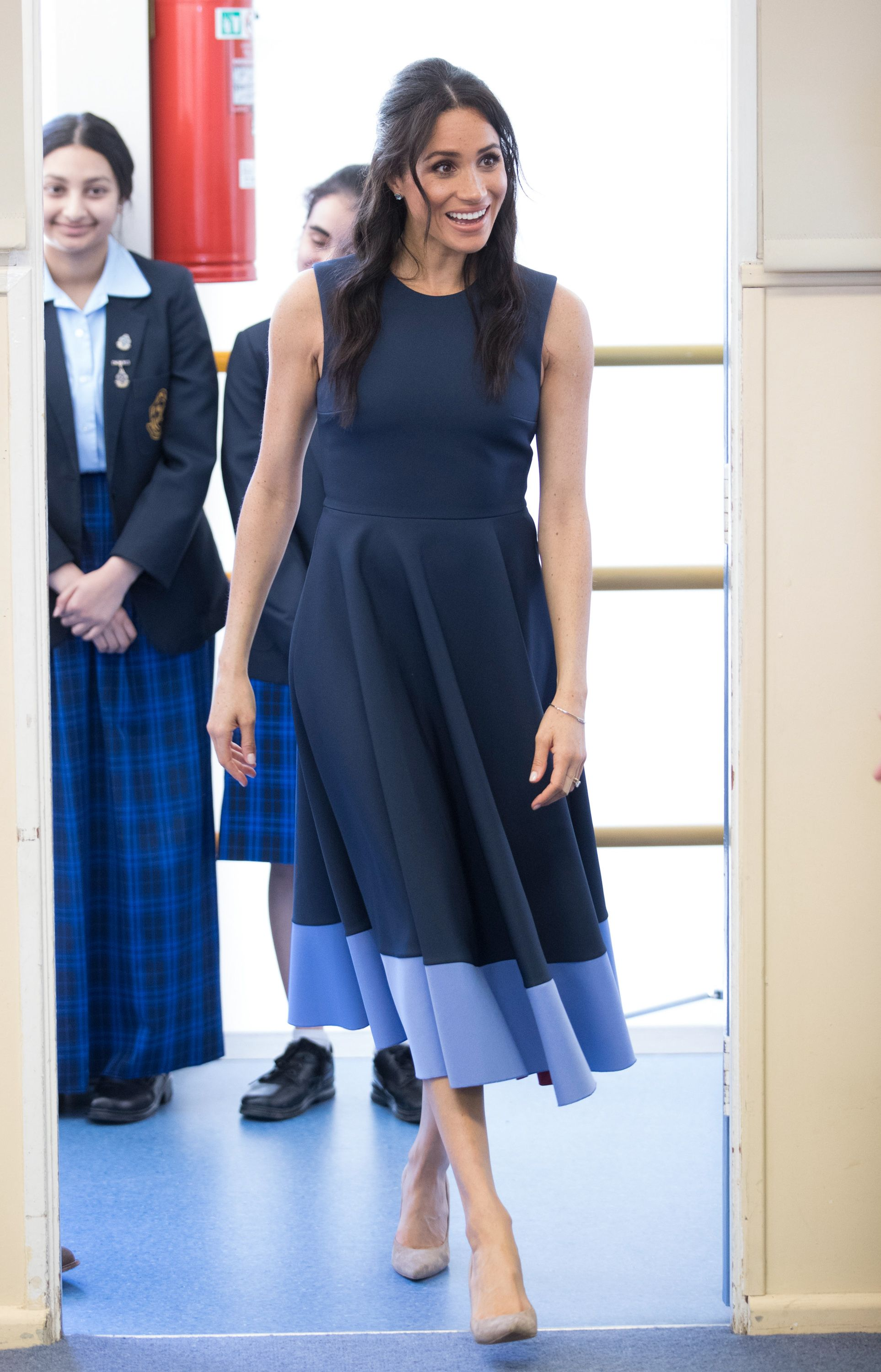 Best Meghan Markle Pregnant Style Looks - Princess Meghan Maternity Fashion 9fd5820d3ebe