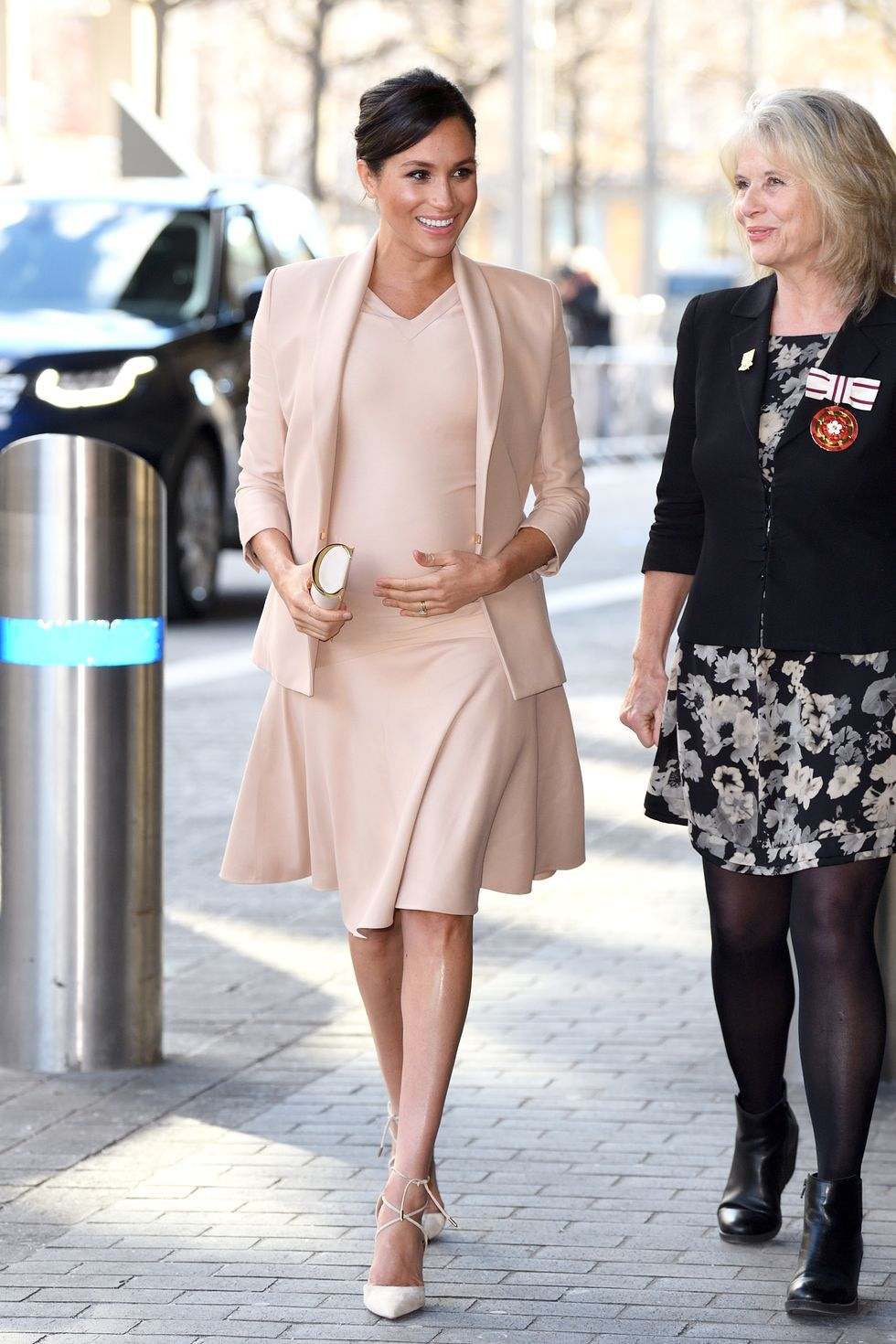 db344266e54cf Meghan Markle's Best Maternity Outfits - Duchess of Sussex's Chic Pregnant  Style