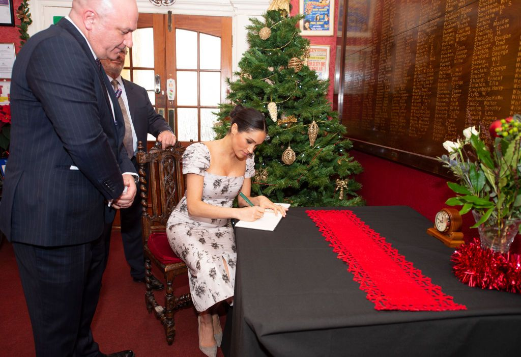 Meghan Markle's Handwriting Is Insanely Perfect