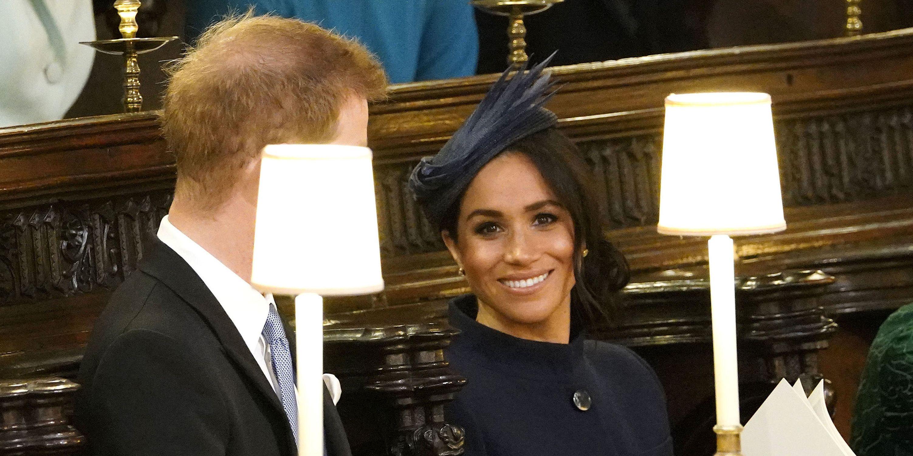 Meghan Markle en Prins Harry bij de royal wedding van Prinses Eugenie