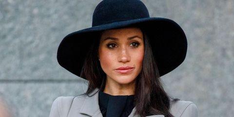 Hat, Hair, Clothing, Fedora, Beauty, Fashion accessory, Sun hat, Street fashion, Headgear, Lip,