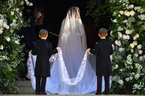 meghan markle wedding look