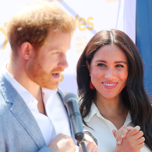 meghan markle and prince harry share new official portrait meghan markle and prince harry share