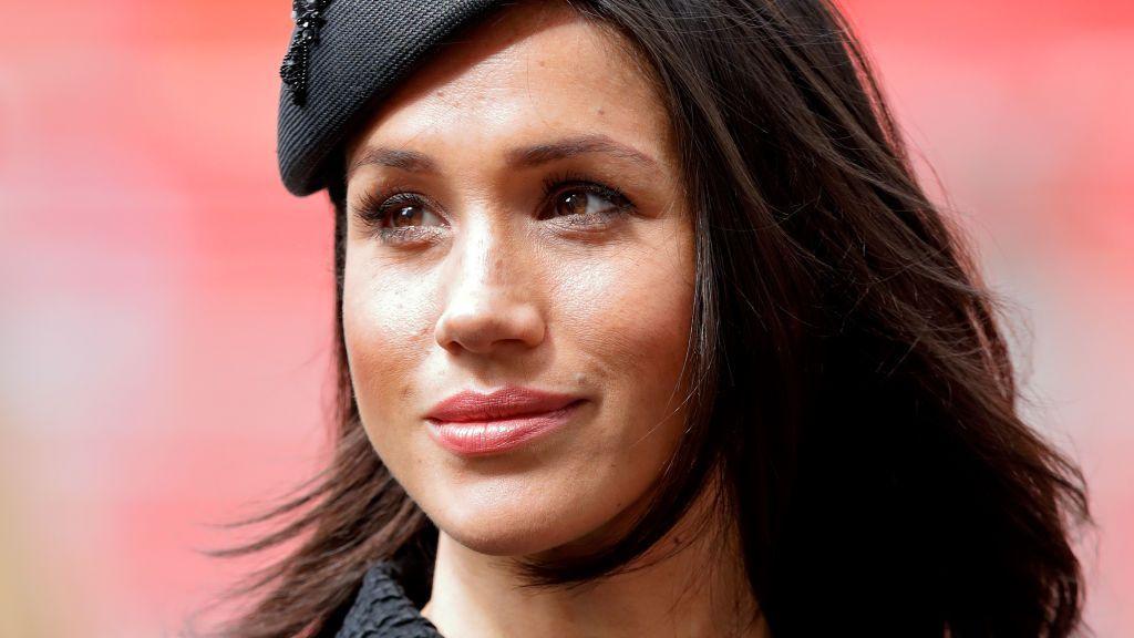 Who will walk Meghan Markle down the aisle now that her father wont attend the royal wedding