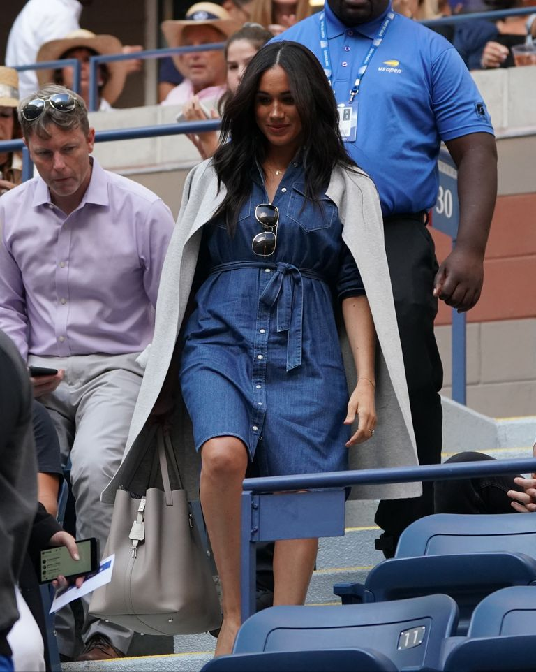 Meghan Markle takes her seat at the U.S. Open finals.