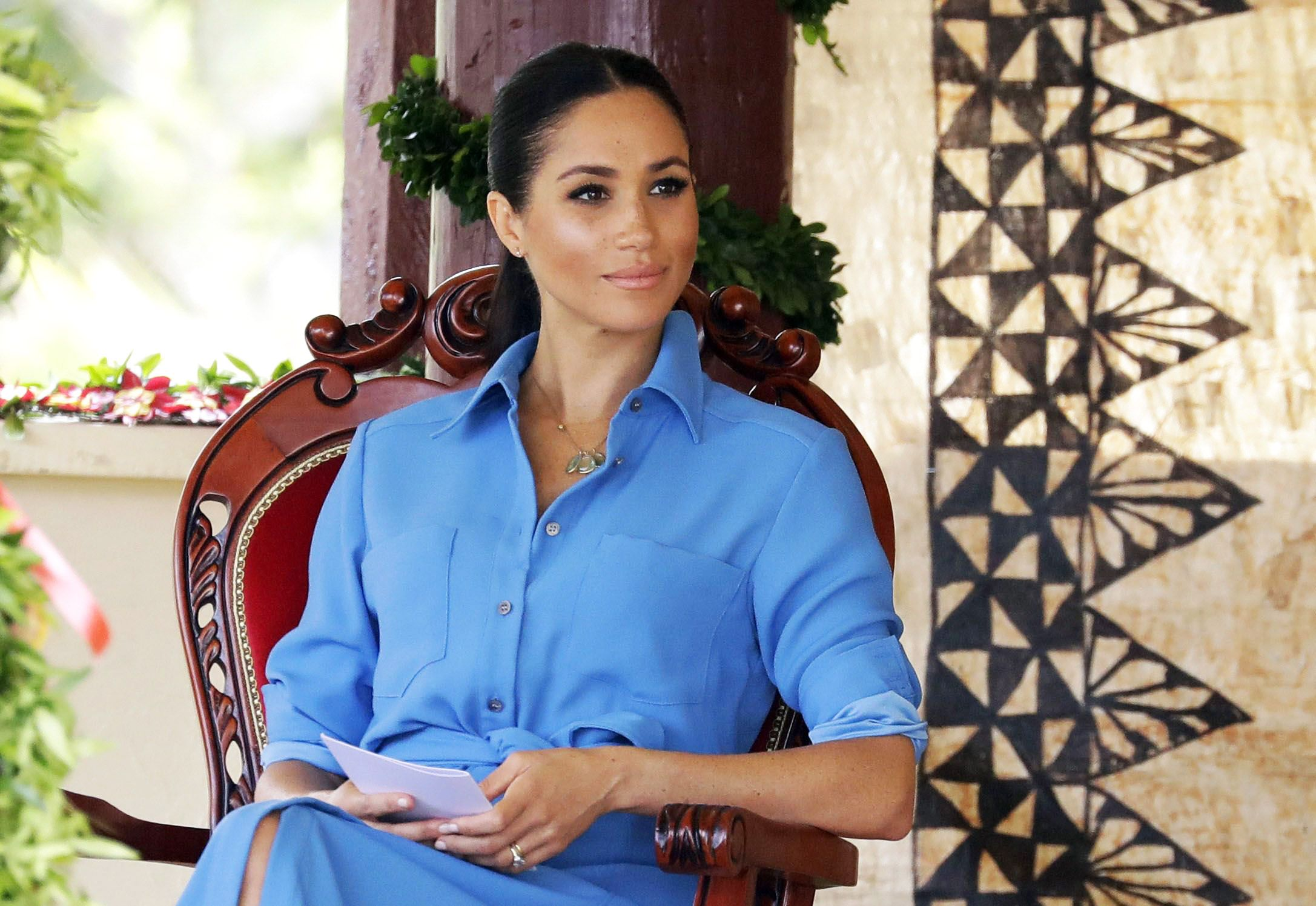 meghan markle s dad is reportedly trying to contact her in la meghan markle s dad is reportedly
