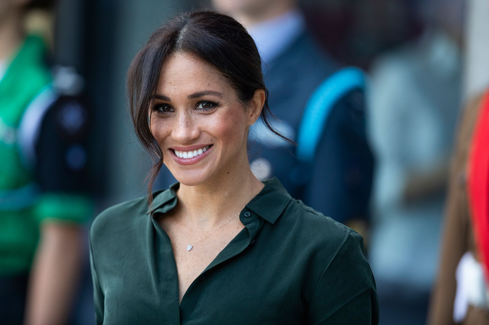 1db1fef115 Meghan Markle just wore a shirt by one of our fave high street brands