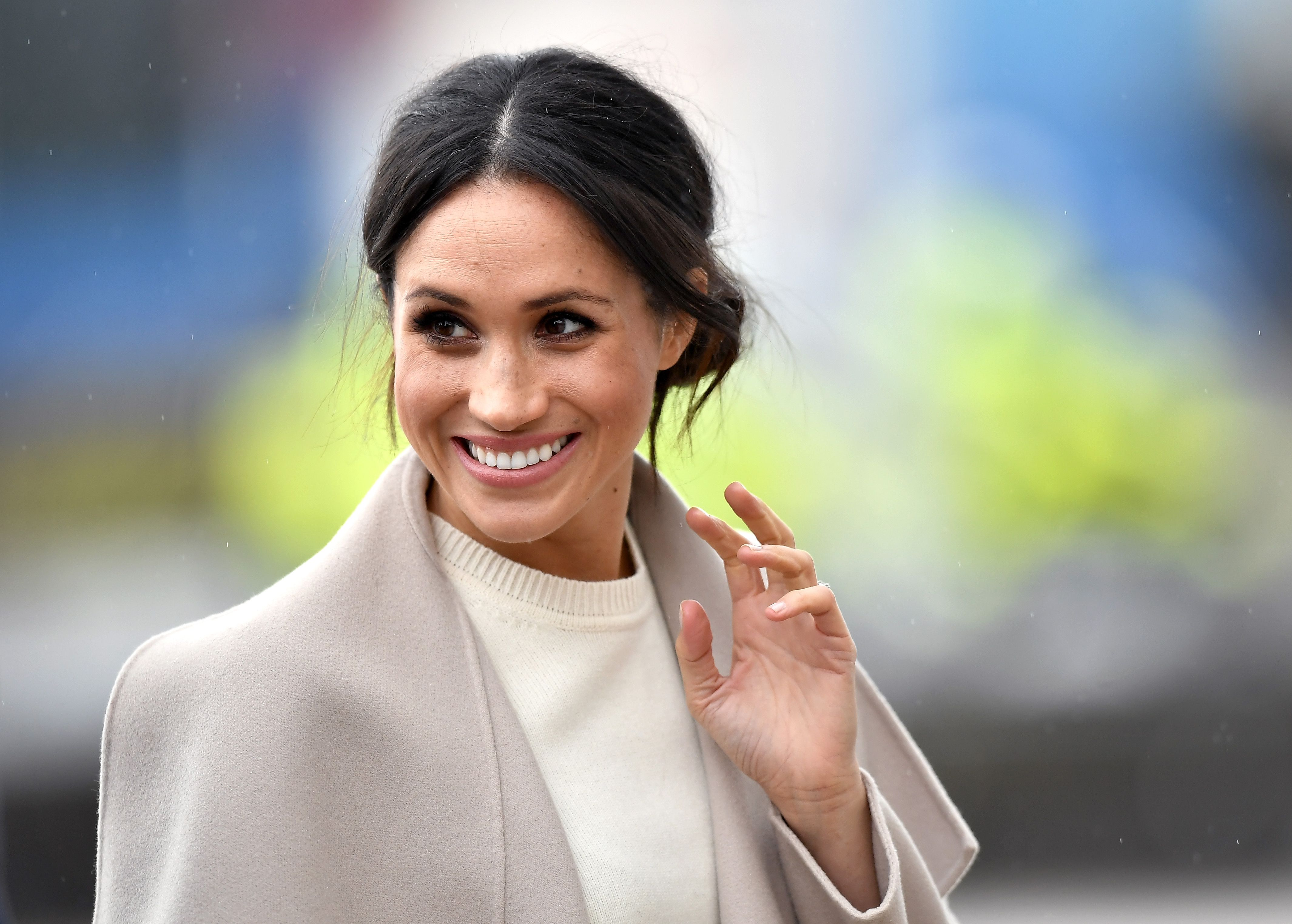 Watch Meghan Markle Surprise-Call the A-Listers On Her 'Vogue' Cover