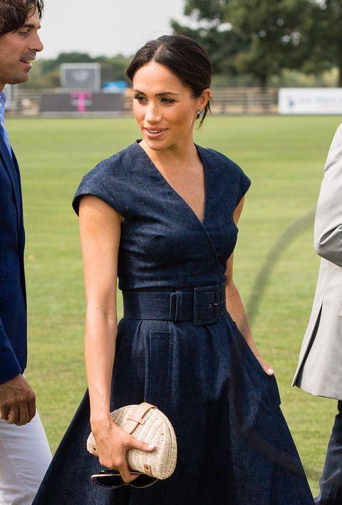 e7efd6b87ac Meghan Markle wears Carolina Herrera dress with pockets to the 2018 ...