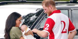 Royal Family News: le foto di Meghan Markle con il royal baby