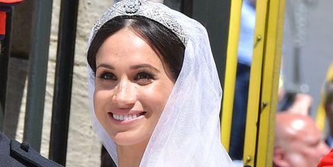 Bride, Veil, Headpiece, Yellow, Bridal accessory, Ceremony, Bridal veil, Hair accessory, Tradition, Wedding,