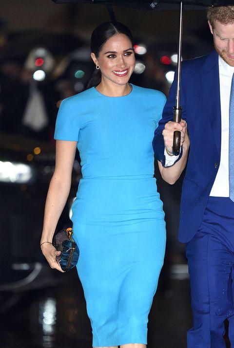 robe meghan markle bleu
