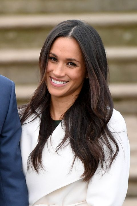 How to recreate Meghan Markle\'s blow-dry waves - Her signature ...