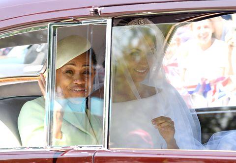 Ibu Meghan Markle dapatkan undangan khusus dari Ratu Elizabeth II untuk habiskan waktu liburan Natal bersama (dok. Elle)