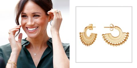 Ear, Jewellery, Eyebrow, Skin, Nose, Organ, Fashion accessory, Pearl, Jaw, Earrings,