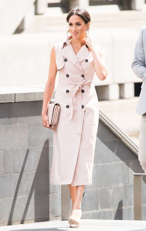 54971c609685d9 Meghan Markle Is Pretty In Blush Pink Sleeveless Trench Dress For ...