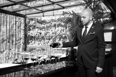 uno de los mejores sumilleres de españa nos da sus claves para elegir el mejor vino según relación calidad precio