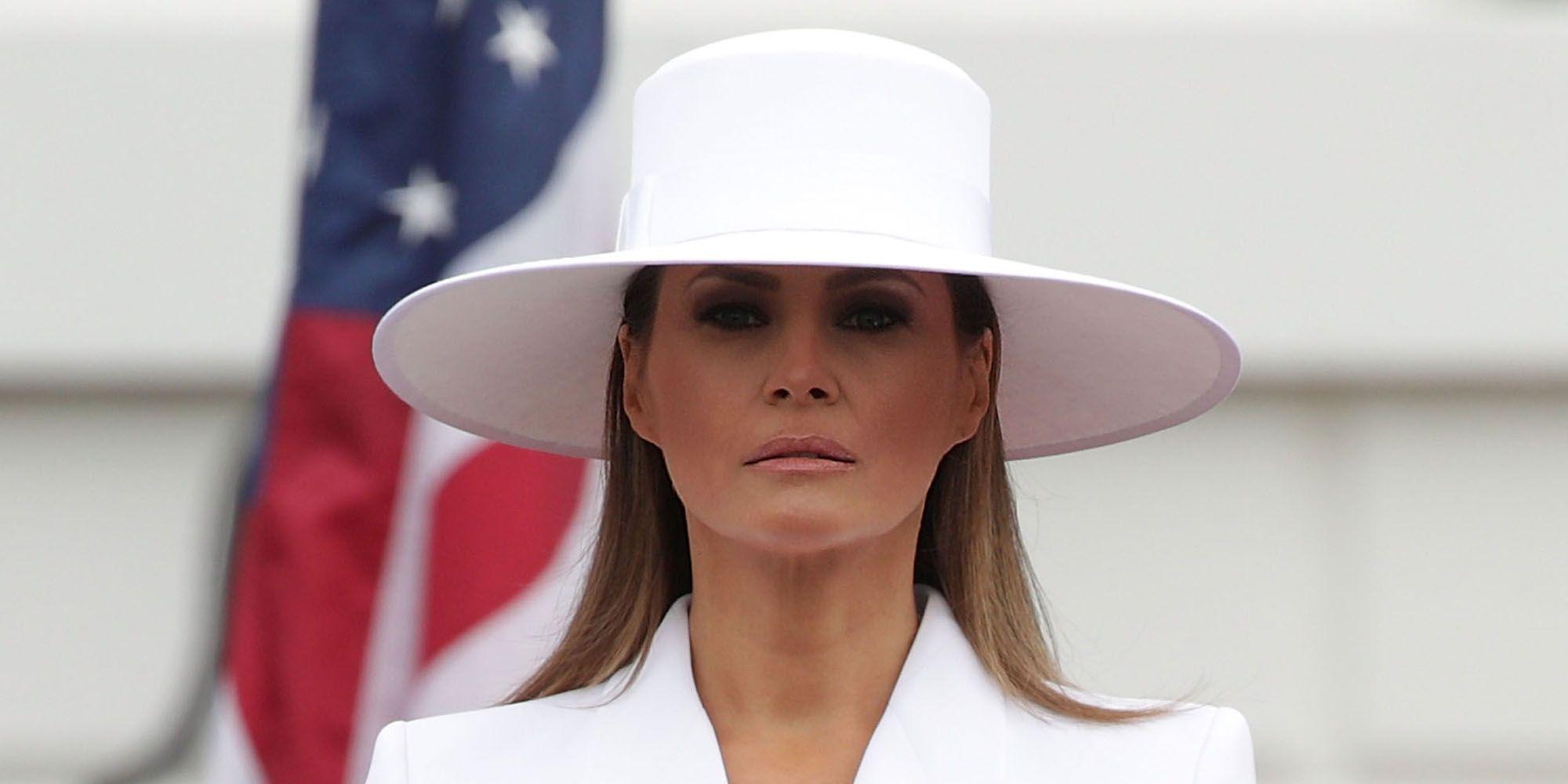 Tailleur cerimonia primavera estate 2018  i modelli di moda sono eleganti  come il look di Melania Trump fb2bd5300089