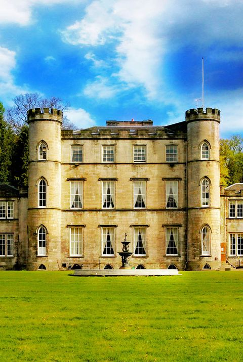 Estate, Property, Building, House, Sky, Mansion, Home, Manor house, Stately home, Château,
